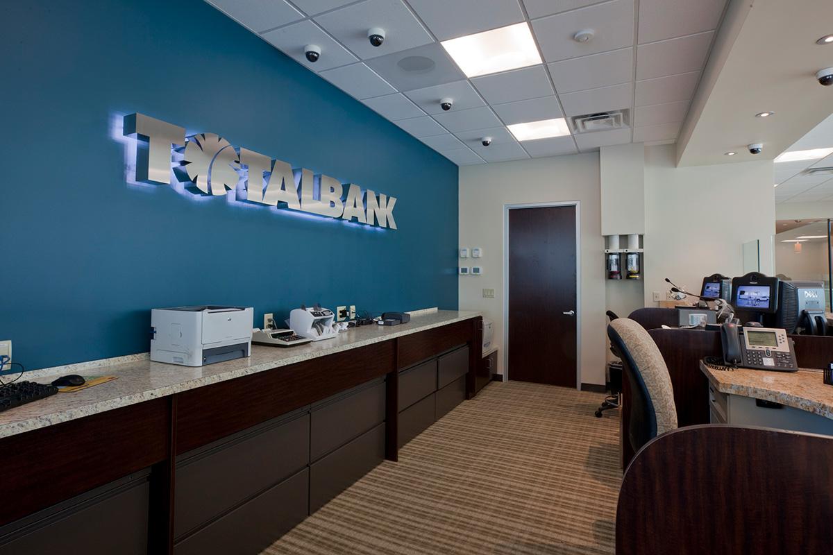 Total-Bank_06